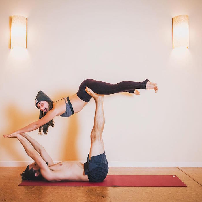 superyogi pose for partner yoga