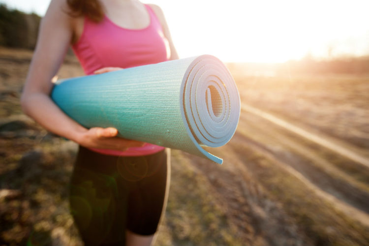 yoga-mat-buying-guide